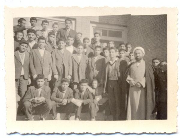 دبیرستان پرویز